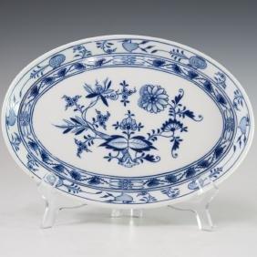 """Meissen """"Blue Onion"""" Porcelain Dish"""
