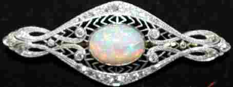 ART DECO PLATINUM AND DIAMOND PIN WITH LARGE