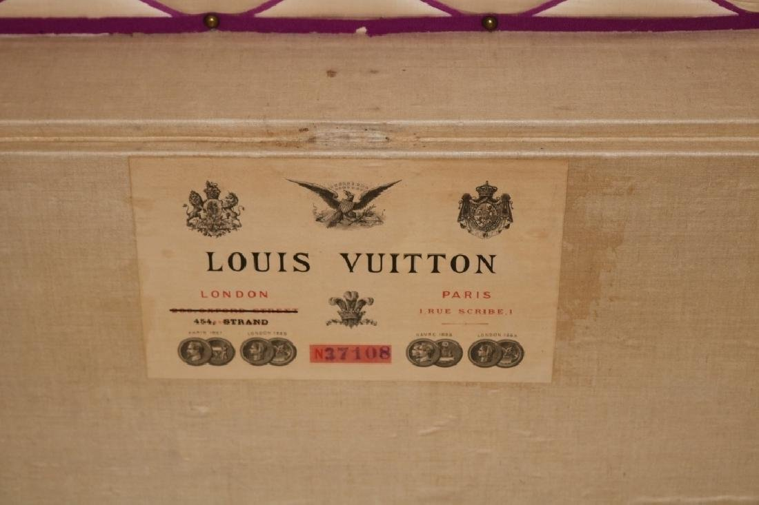 LOUIS VUITTON TRUNK, CA 1885, RARE RED DAMIER - 4