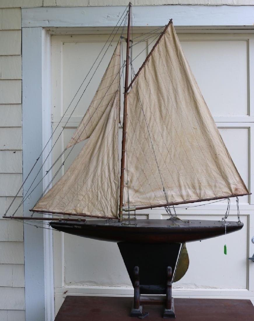 LATE 19TH C WOODEN POND BOAT MODEL (CUTTER), TIN