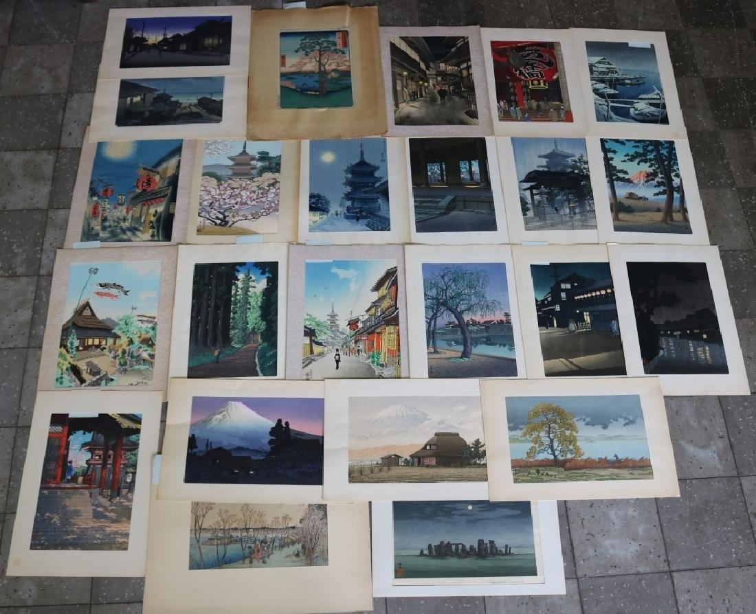 33 JAPANESE WOODBLOCK PRINTS AND 1 CHINESE