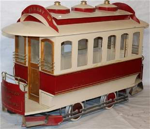 "MODEL ""CENTRAL PARK AND BROADWAY/ALBANY"" TROLLEY"