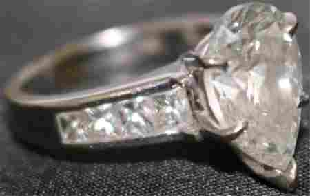 18KT WHITE GOLD RING WITH 3.2 CT DIAMOND