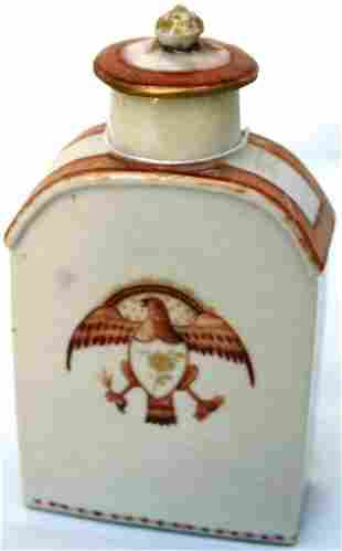 CHINESE EXPORT PORCELAIN TEA CADDY WITH