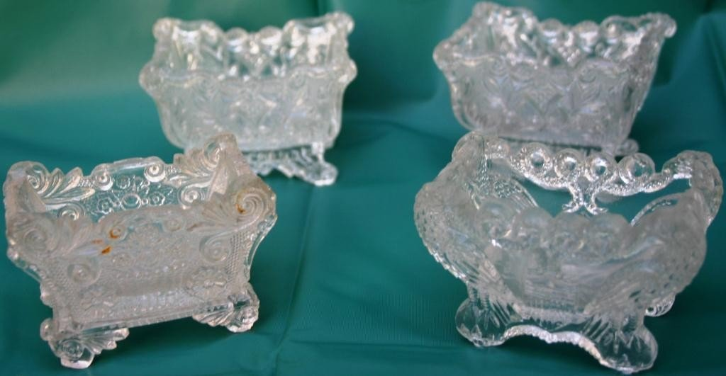 14: COLLECTION OF 4 FOOTED LACY SOFA SALTS, 1 PAIR