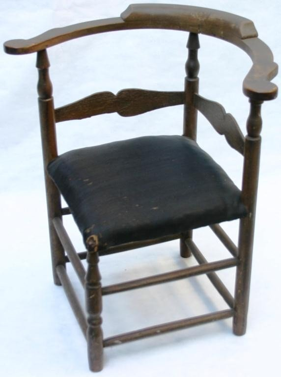 50: 18TH CENTURY AMERICAN ROUNDABOUT CHAIR