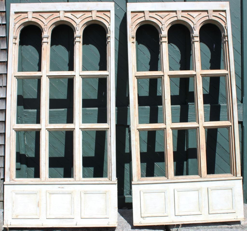 14: PAIR OF CARVED WOODEN GOTHIC STYLE