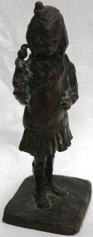 150: SMALL BRONZE SCULPTURE OF A YOUNG GIRL