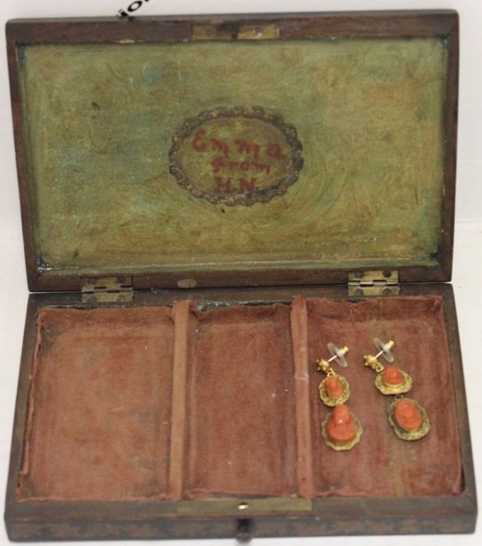 CA 1800 LACQUERWARE JEWLERY BOX INSCRIBED ON