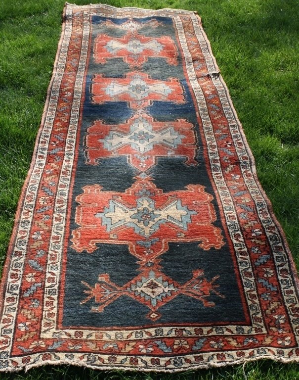 EARLY 20TH C PERSIAN RUNNER, POSSIBLY HEREZ,