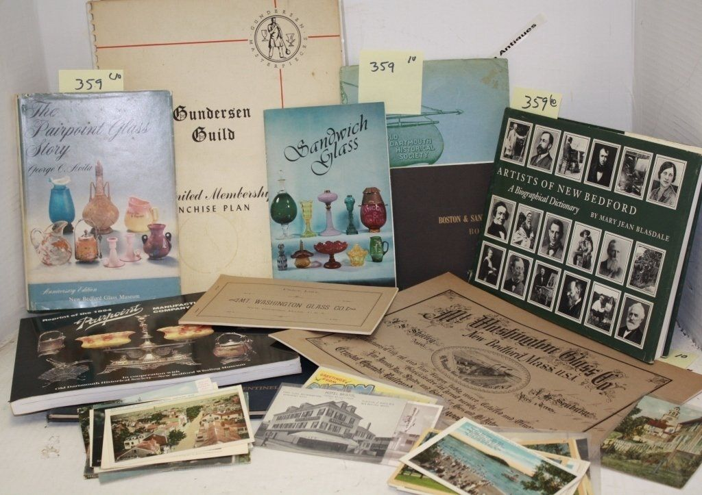 BOOK & PAPER LOT INCLUDING ARTISTS OF NEW BEDFORD