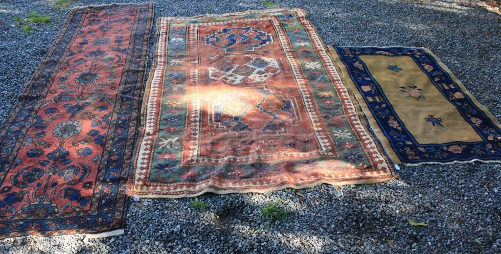 3 ANTIQUE ORIENTAL RUGS TO INCLUDE A 1920'S
