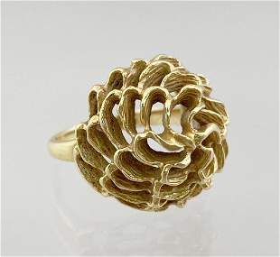 Ladies 18k Gold Ring Chrysanthemum Flower