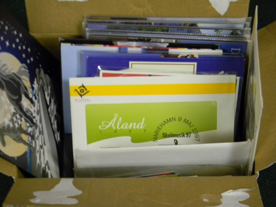19: Over 100 Scandinavia post office year folders with