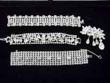 4 pc Weiss Rhinestone Jewelry, Bracelets, Pin