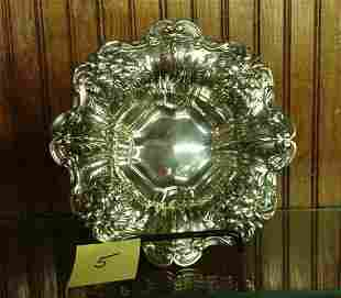 REPOUSSE REED & BARTON STERLING SILVER BOWL [10.0ozt]