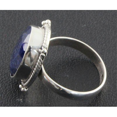 33ctw APPROX Antique Desing Silver Ring w/ Sapphire