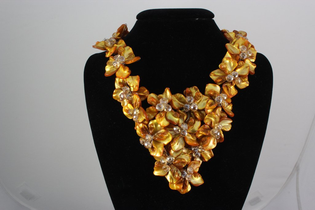 "1434CTW 16"" CHUNKY AMBER MOTHER OF PEARL NECKLACE METAL"