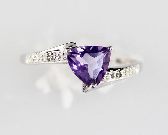 10K .90 Amethyst Diamond Ring