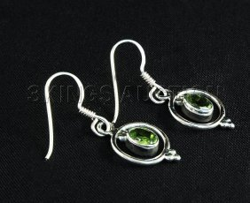 1.10CT Peridot Unique Design .925 Hook Earring 2.21g