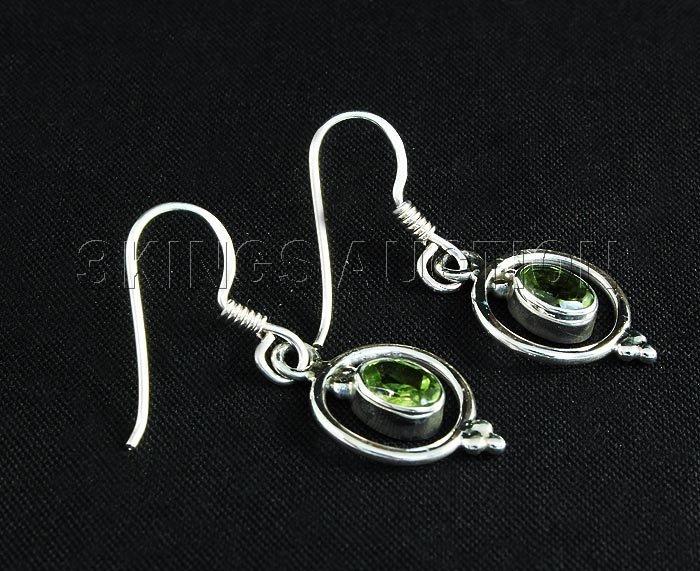 1.10CT Peridot Unique Design .925 Hook Earring 2.21g