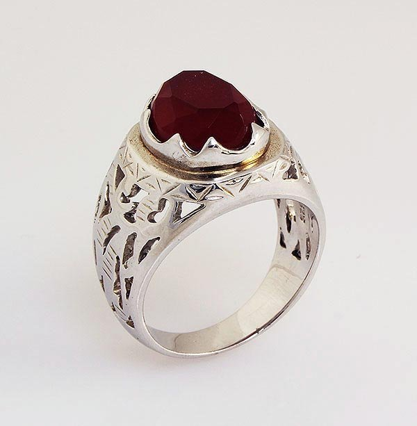 Faceted Red Agate 2.40ctw Sterling Silver Oval Ring 6.8