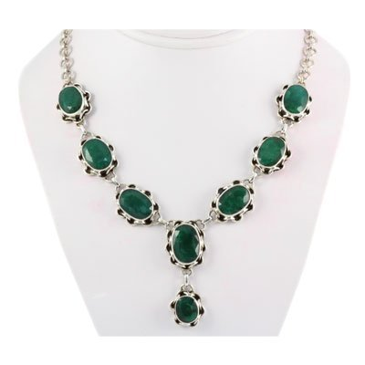 258ctw Flower Silver Necklace w/ Emerald