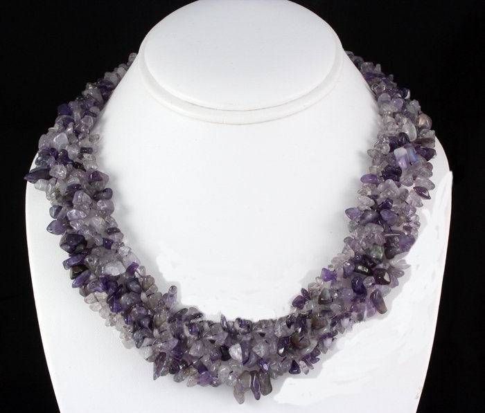 "661CTW 18"" AMETHYST CHIPPED STONE NECKLACE METAL LOCK"