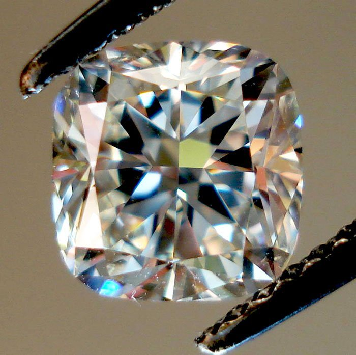 Cushion 4.00 Carat Brilliant Diamond  E  VS1