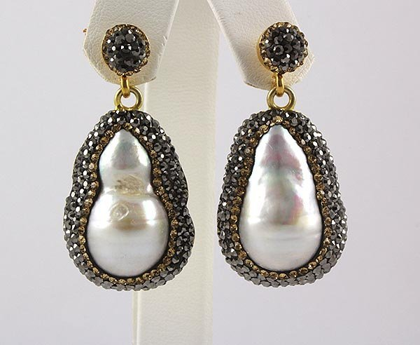 Victorian Vintage Mother of Pearl Earring