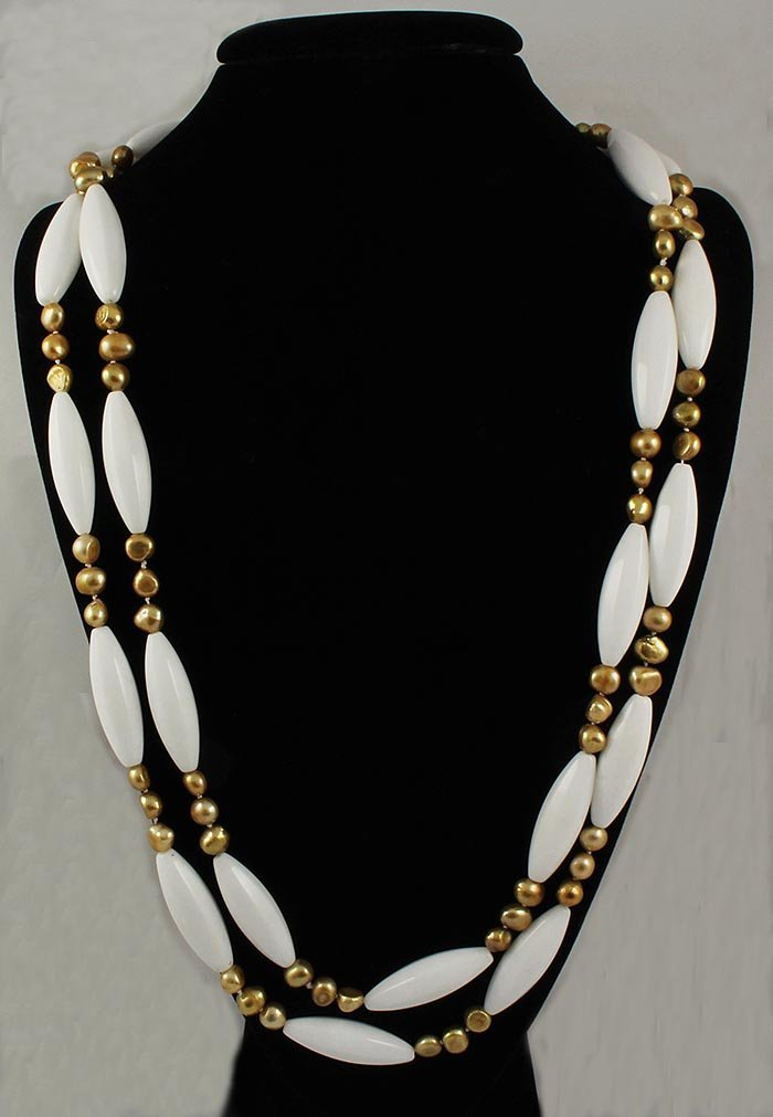 1313.50CTW CONTINUOUS MOTHER OF PEARL NECKLACE
