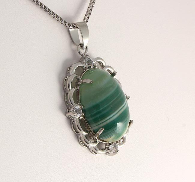 Natural Stone Minty Green Oval Agate Pendant