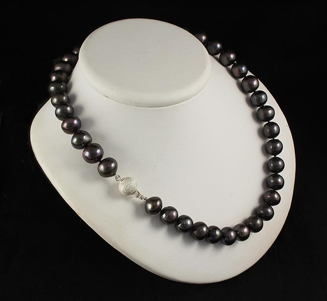 Genuine Pearl Necklace Black Cultured 364.07 ct 10-11mm
