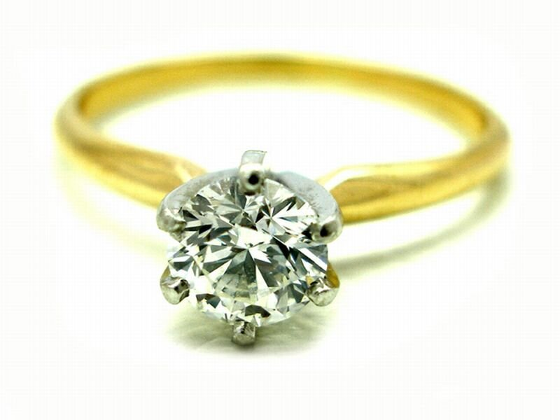 Lady 14K Yellow Gold Round Diamond Solitaire Ring