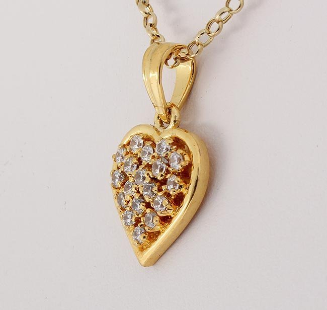 Cubic Zirconian Heart Pendant 18 Stone