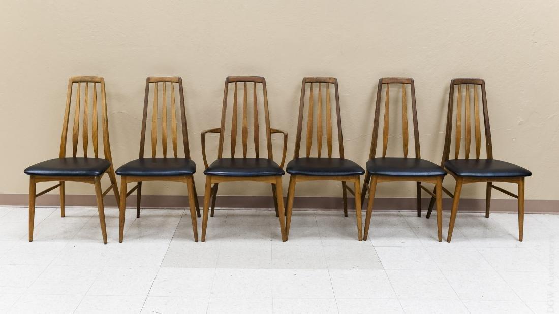 Teak Draw Leaf Table w/ 12 Danish Teak Chairs. - 4