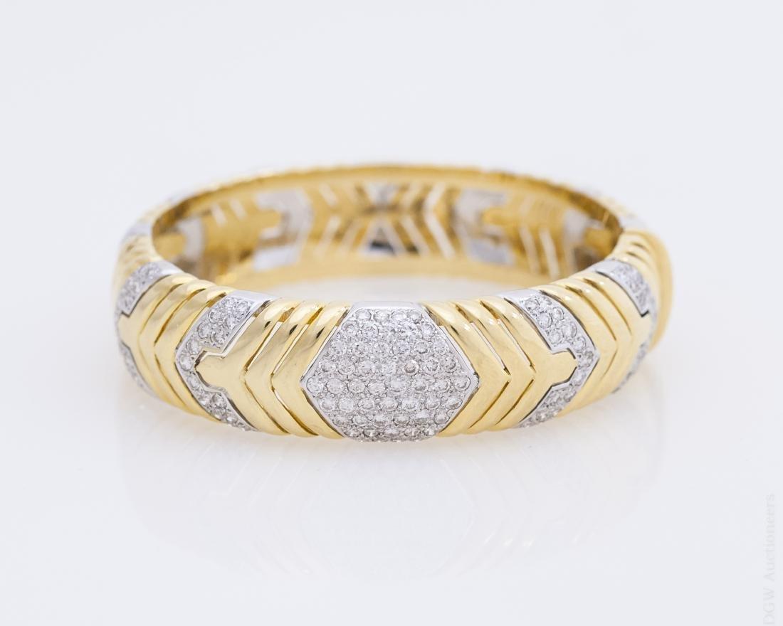 18K Gold and Diamond Bangle Bracelet.