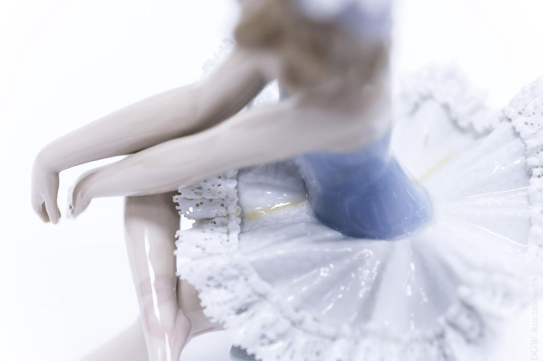 Lladro Porcelain Figure, Opening Night. - 4