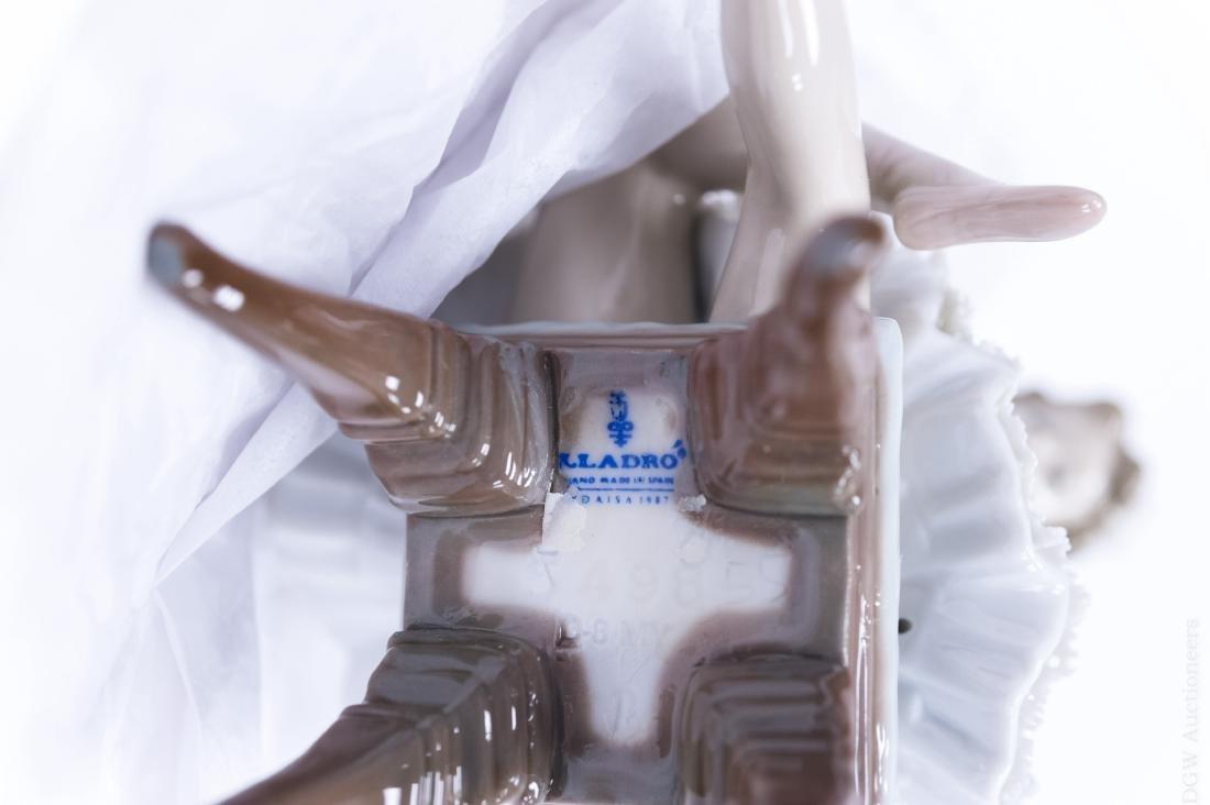 Lladro Porcelain Figure, Opening Night. - 7