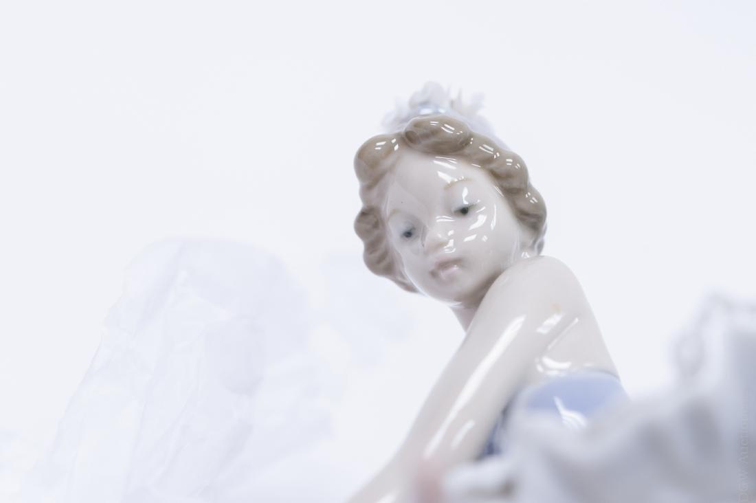 Lladro Porcelain Figure, Opening Night. - 8