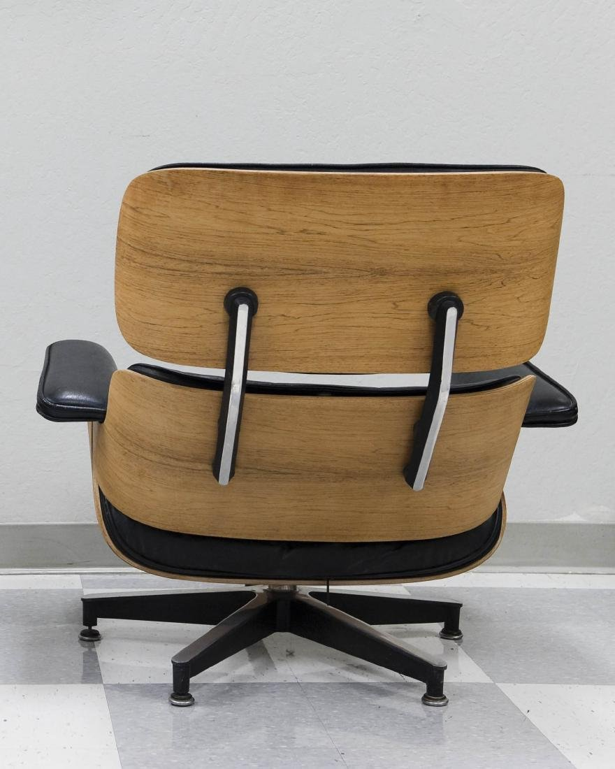 Herman Miller Lounge Chair and Ottoman. - 4