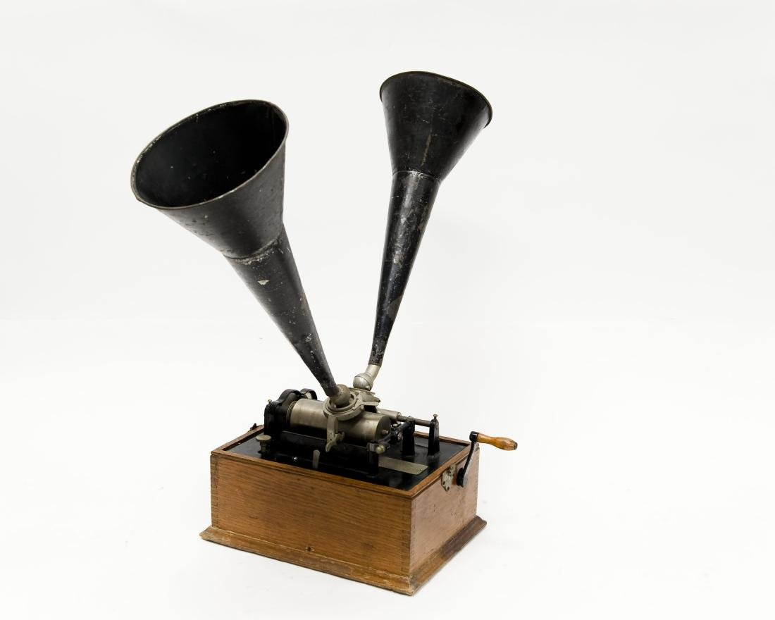 "Edison ""Suitcase"" Gramophone, Polyphone Reproducers."
