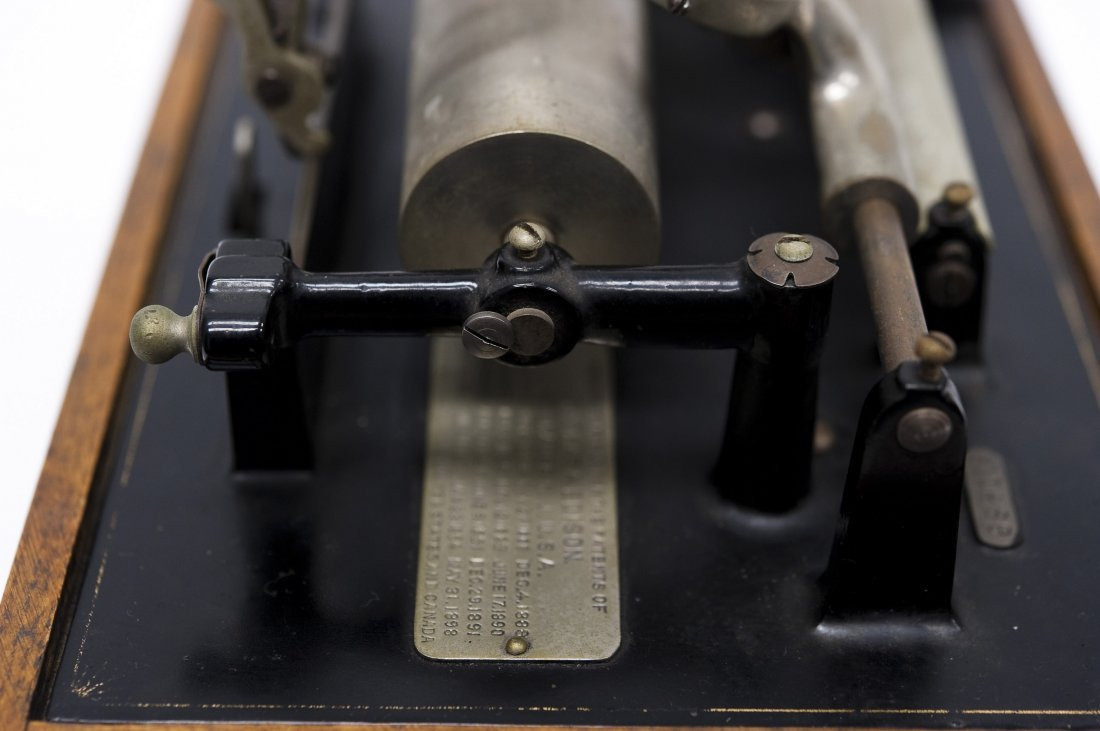 """Edison """"Suitcase"""" Gramophone, Polyphone Reproducers. - 7"""