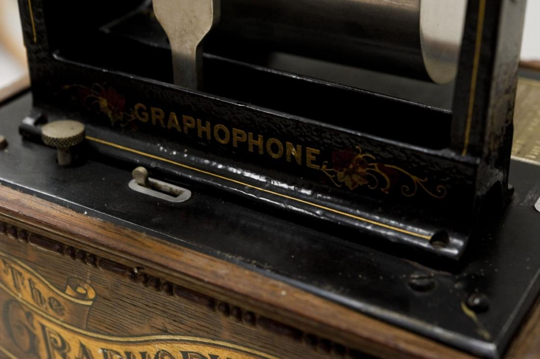 American Phonograph Co. Type AG Graphophone. - 6