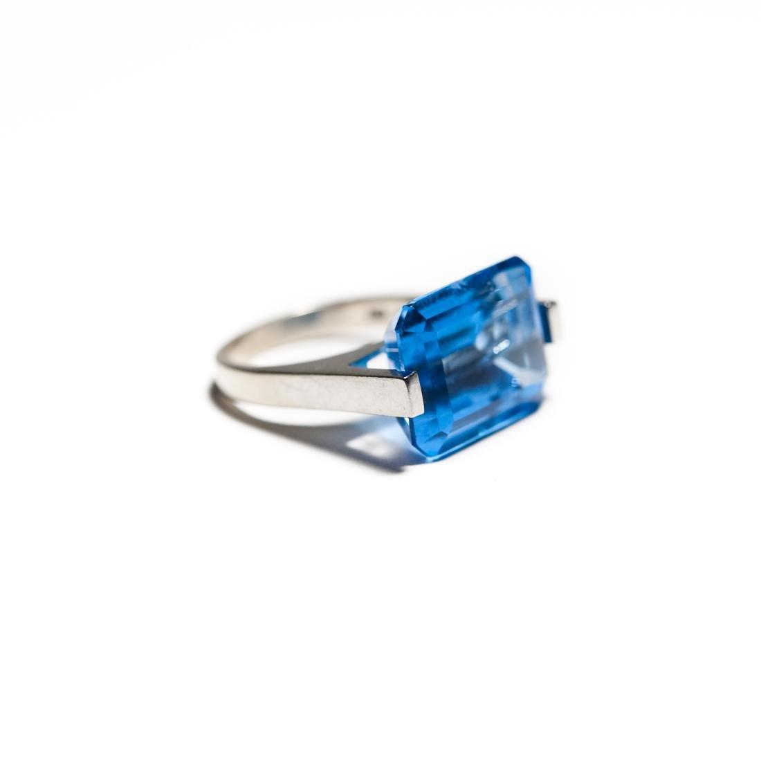 14K White Gold & Blue Topaz Ring. - 2