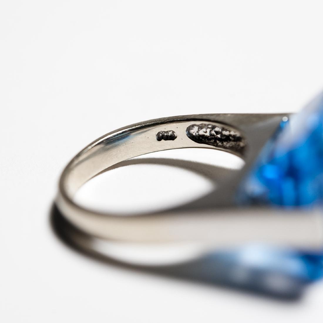 14K White Gold & Blue Topaz Ring. - 3