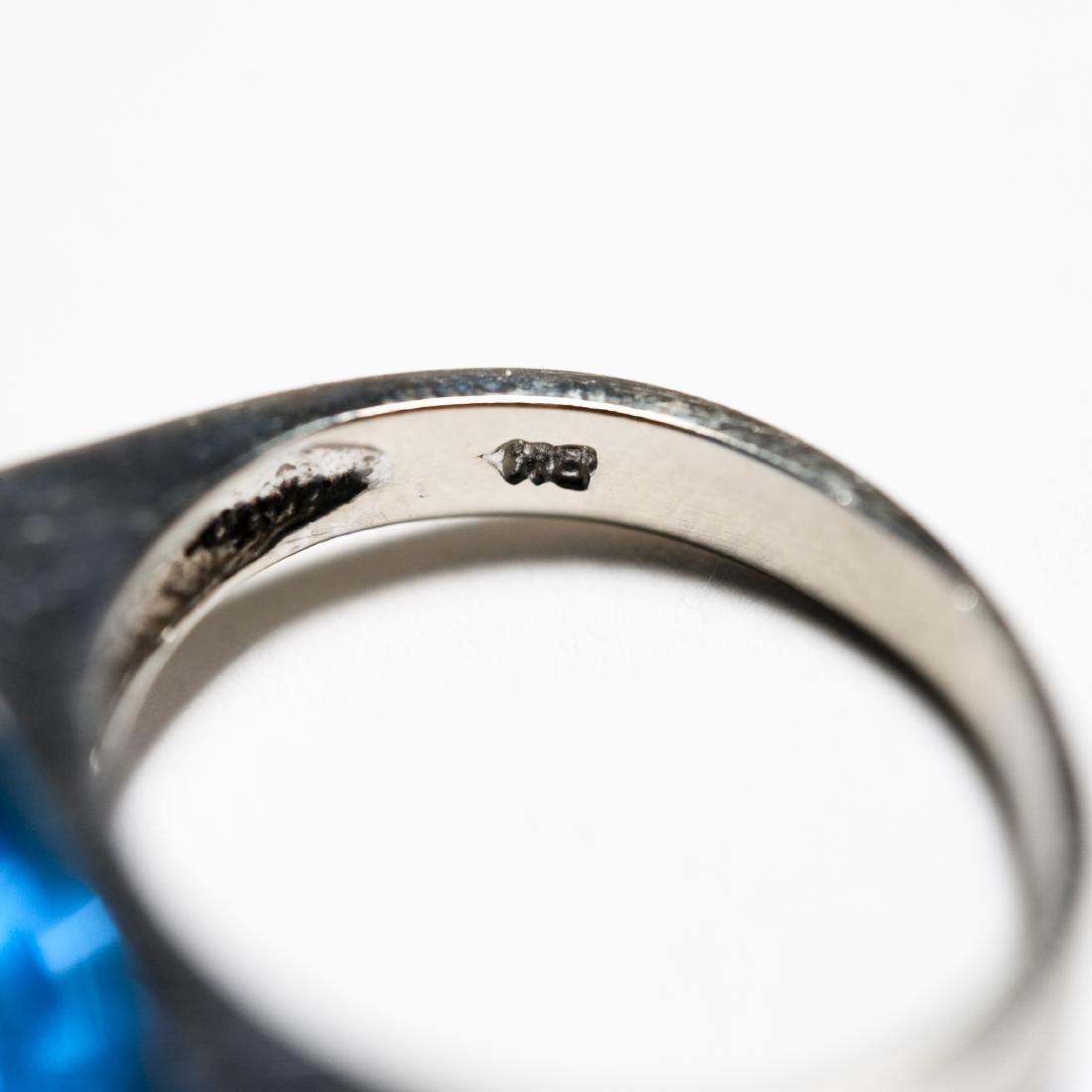 14K White Gold & Blue Topaz Ring. - 4