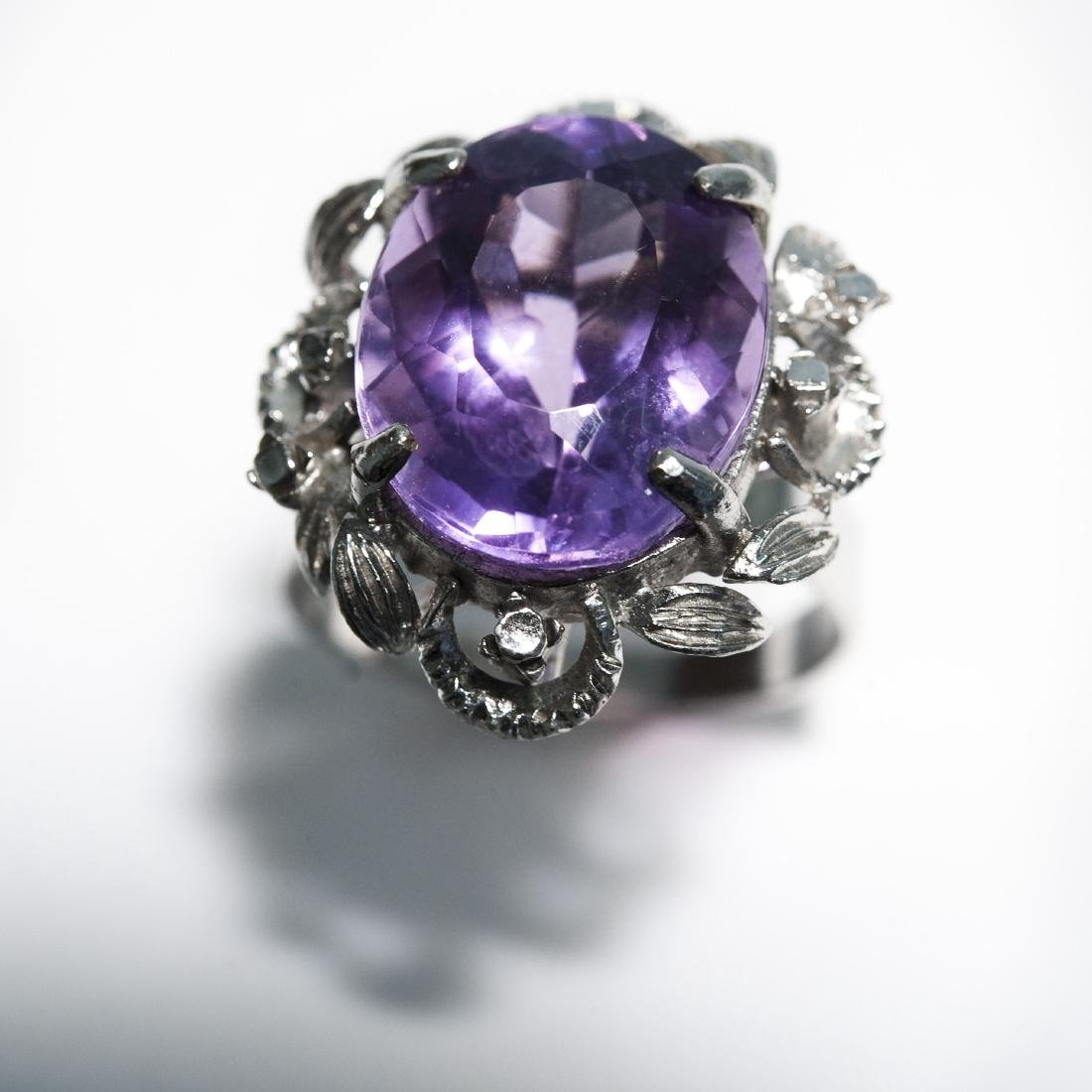 14K White Gold & Amethyst Ring. - 2