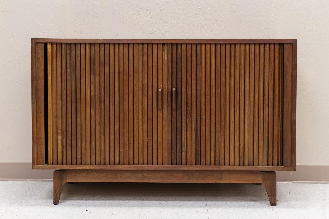 Mid Century Modern Design Walnut Cabinet.