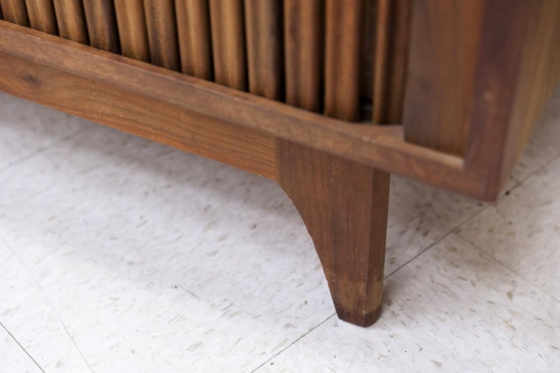 Mid Century Modern Design Walnut Cabinet. - 7